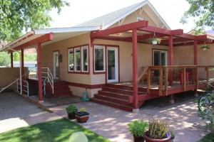 Stella Ruby Cottages - Cottages in Downtown Moab! :: Three unique cottages located a half block from downtown Moab! Cottages include a living area, kitchens, & are pet friendly. Shared large yard space, BBQ area, & hot tub.